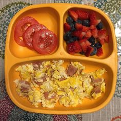 Food for ChildrenHam & eggs, berries and juicy tomato slices!☀️ Rise & shine - it ' s Monday!🙂🙏🏼 Food for ChildrenHam & eggs, berries and juicy tomato slices!☀️ Rise & shine - it ' s Monday! Toddler Menu, Toddler Lunches, Healthy Toddler Meals, Kids Meals, Toddler Food, Meal Plan For Toddlers, Fingerfood Baby, Toddler Finger Foods, Baby Breakfast