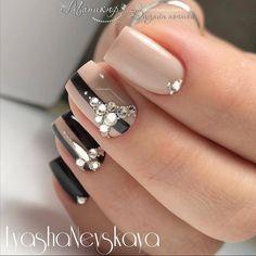 and Beautiful Nail Art Designs Rhinestone Nails, Bling Nails, Swag Nails, Fabulous Nails, Gorgeous Nails, Pretty Nails, Acrylic Nail Designs, Nail Art Designs, Acrylic Nails
