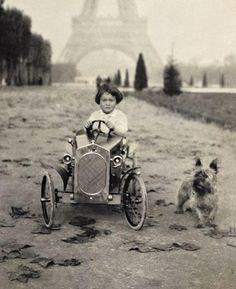 Paris. Ca 1928