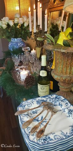 Magical Christmas, Christmas Home, French Country Christmas, French Table, Beautiful Table Settings, Christmas Decorations, Table Decorations, Simple Flowers, French Antiques