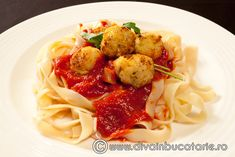t-cu-ch-p-2 Spaghetti, Ethnic Recipes, Food, Essen, Meals, Yemek, Noodle, Eten
