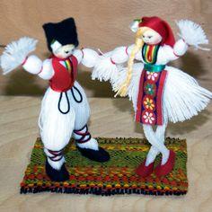Целогодишно производство и продажба на мартеници за дома, за офиса, за деца и за левскари. Ръчно правени мартеници. Ръчно плетени гривни. Ръчно произведени кукли, сувенири, тарикатски мартеници, мартеница, мартеници, мартенички, marteni4ki, martenica, martenici, martenitsa, martenitsi, hand made, hand made in Bulgaria, ръчно правени кукли, home made doll, hand made doll, hand knitted bracelet, knitted bracelets, Пижо, Пенда, Pizho, Penda, баба Марта, kukli, grivni. Baba Marta, Christmas Crafts For Kids, Christmas Ornaments, Magic Day, Crochet Bebe, Spring Crafts, Beautiful Hands, Handicraft, Fabric Crafts