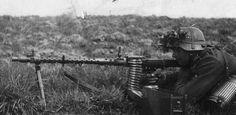 Wehrmacht (Heer) Soldat mit MG-34
