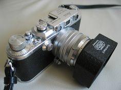 Leica IIIa - Leitz Summarit & pare-soleil XOONS by floguill, via Flickr