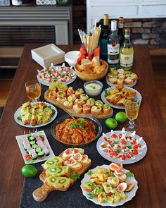 Party Food Buffet, Party Dishes, Food Menu, Party Finger Foods, Food Displays, Food Platters, Aesthetic Food, Food Presentation, Food Design