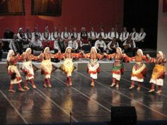 Traditional folk dances of Israel include the Hora, circle dancing, and dances incorporating the Yemenite Step. These dances today are mainly used recreationally or for performances.   The Hora became the symbol of the reconstruction of the country by the socialistic-agriculural Zionist movement.  -Dzenita Cifric