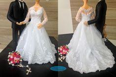 caraarteembiscuit💗 #noivinhospersonalizados 💗#biscuit #biscuitpersonalizado #noivinhos #caketopper #weddinginvitation #vestidodenoiva #lovedogs #dog #wedding #caraarteembiscuit #wedding #weddings #weddingstyle #weddingcake #bolodecasamento #enfeitedebolo #vestidonoiva #noiva #noivos #casamento #casando #casacomigo #love #dream 💗 orçamento: caraarteembiscuit@yahoo.com.br, ou envie uma mensagem inbox na página https://facebook.com/caraarteembiscuit