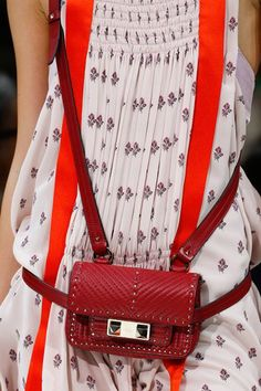 Valentino Spring 2018 Ready-to-Wear Fashion Show Details