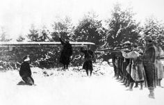 1917 - Execution à Verdun lors des mutineries - Prima guerra mondiale - Wikipedia World War One, Second World, First World, Bataille De Verdun, Military Archives, Shell Shock, French Army, Mystery Of History, Indochine
