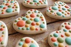 Easy Polka Dot Heart Cookies - oh so pretty!!