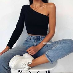 streetwear sportwear men women clothing clothers outfits pants sweatshirt hoodie t-shirt tee-shirt Cute Casual Outfits, Simple Outfits, Pretty Outfits, Stylish Outfits, Looks Chic, Looks Style, Fashion Mode, Look Fashion, Winter Fashion Outfits