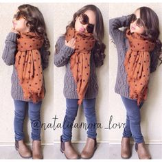 scarf fashion outfit to your kids Toddler Girl Style, Toddler Girl Outfits, Toddler Fashion, Kids Fashion, Cute Little Girls Outfits, Girls Fall Outfits, Little Girl Fashion, Stylish Little Girls, Outfits Niños