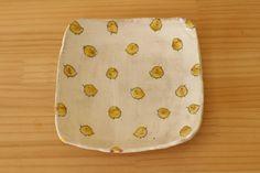 粉引きひよこのトースト皿。   iichi(いいち)  ハンドメイド・クラフト・手仕事品の販売・購入