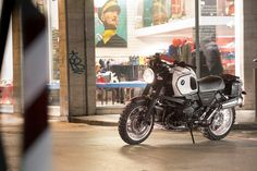 BMW classic looking custom European Motorcycles, Cars Motorcycles, R1200r, Bmw Boxer, Cafe Bike, Old Things, Things To Sell, Moto Guzzi, Classic Bikes