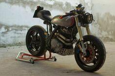 Honda NX650 Dominator 'V - The Mono of DOOM' - V Motociclette Milano - Ottonero