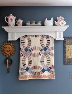 Handmade Classic Wooden Quilt Shelf Rack Hanger