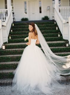 Gown: Theia Couture | Photography: Loren Routhier