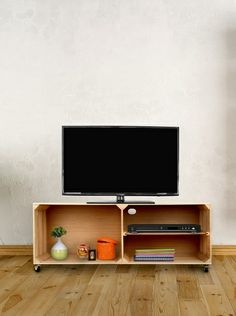 CAJAS!!!!!!!!!!!! ReallyNiceThings Muebles TV Vintage Natural en Amazon BuyVIP