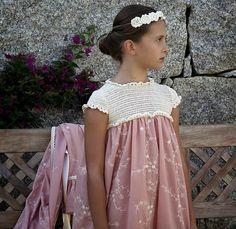 LAN FAIRY: BATAS Y CAMISONES Crochet Fabric, Love Crochet, Crochet For Kids, Crochet Baby, Knit Crochet, Baby Girl Fashion, Kids Fashion, Fairy Dress, Fall Dresses
