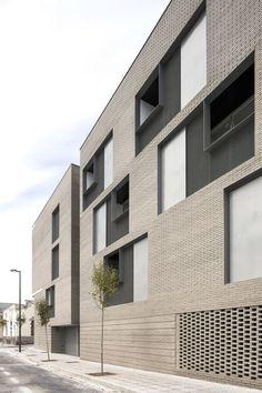 peris+toral .  33 viviendas SOCIALES . Melilla (5)  ~ Great pin! For Oahu architectural design visit http://ownerbuiltdesign.com