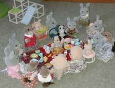 """Lyndsey Dowinton sent in this photo and commented """"Lyndsey Dowinton The weather in Sylvania today was perfect for a picnic! The children were particularly enjoying their ice creams!"""" #sylvaniansummer #sylvanianfamilies"""