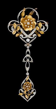 Art Nouveau platinum and yellow gold diamond garland brooch | JV