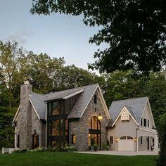 25 Contemporary Farmhouse Exterior Design Ideas - Interior design is indeed the main thing in creating space. However, it was the house facade that was first assessed for aesthetics. by Joey Contemporary Farmhouse Exterior, Farmhouse Design, Modern Farmhouse, Farmhouse Ideas, Modern Exterior, Modern Contemporary, Farmhouse Style, Modern Cottage Style, Modern Colonial