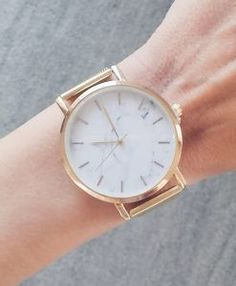Gift Idea Christmas Woman We discover you the best Gift Idea Christmas for women. Fall for this new collection of cheap costume jewelry. Cool Necklaces, Womens Fashion Online, Gold Watch, Costume Jewelry, Bracelet Watch, Best Gifts, Rose Gold, Jewels, Accessories
