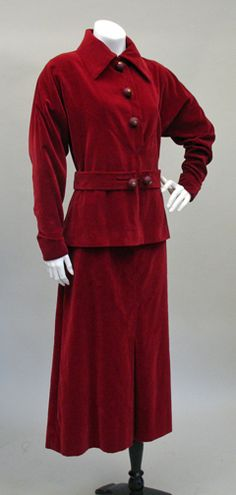 Vintage Clothing of the 1920s & 1930s at pastperfectvintage.com
