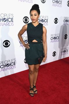 Pin for Later: See All the Stars on the People's Choice Awards Red Carpet! Kelly McCreary