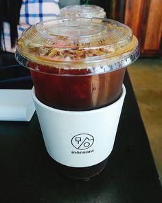 아이스아메리카노 컵홀더가 독특해  #몽상드애월 #아이스아메리카노 #아이스아메 #슬리브 #컵홀더 Cup Sleeve, Dunkin Donuts Coffee, Coffee Cups, Branding, Instagram Posts, Food, Coffee Mugs, Brand Management, Essen