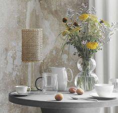 Goedemorgen ! Copenhagen Design, Broste Copenhagen, Clear Glass Vases, Simple Shapes, Glass Design, Pretty Flowers, Minimalist Design, Candlesticks, Floral Arrangements