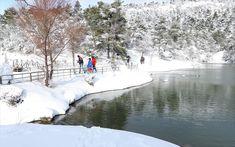 Λευκό τοπίο στη λίμνη Μπελέτσι στην Ιπποκράτειο Πολιτεία. Athens, Outdoor, Outdoors, Outdoor Games, The Great Outdoors, Athens Greece