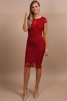 Garbo Wine Mesh Front Lace Midi Dress Everyone needs a sexy red lace dress in their closet. This cute little number is the perfect outfit in my wardrobe for a cocktail party, holiday party, wedding, date night, or girls night out. I love the simple classy Holiday Outfits Women, Party Outfits For Women, Holiday Party Outfit, Holiday Party Dresses, Rehearsal Dinner Outfits, Rehearsal Dinners, Mode Glamour, Fashion Glamour, Luxury Fashion