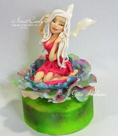 Fairy sugar - cake by Nili Limor Fondant Cake Toppers, Fondant Figures, Fondant Cakes, Cupcake Cakes, Mini Cakes, Fab Cakes, Crazy Cakes, Power Puff Girls Cake, Fairy Birthday Cake