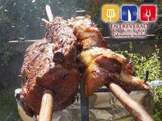 La mejor carne en vara para tus eventos! Venezuelan Food, Carne Asada, Bella, Pork, Meat, Chicken, Country, Beautiful, Gastronomia