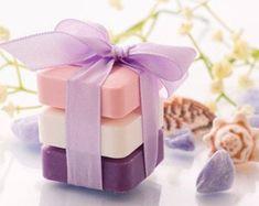 Artículos similares a Soap - Gift Sets - 3 Bars 6 oz Each - Natural Soaps - Organic Soap - Moisturizing Soap - Glycerin Soap - Choose Your Own Scent en Etsy Handmade Soap Recipes, Handmade Soaps, Christmas Soap, Essential Oils Soap, Glycerin Soap, Castile Soap, Lavender Soap, Organic Soap, Soap Packaging