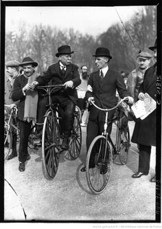 Longchamps : deux vieilles gloires du cyclisme, Henri Farman et Charles Terront : [photographie de presse] / Agence Meurisse Bicycle, Cycling, Photography, Bike, Bicycle Kick, Bicycles