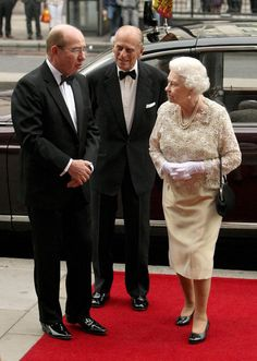 Queen Elizabeth II Photo - Queen Elizabeth II Attends Dinner For Worshipful Companies