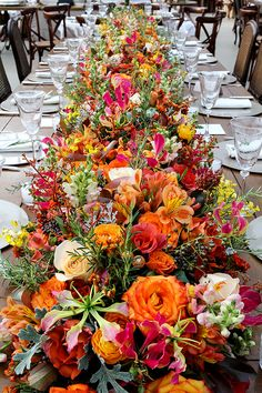 What a beautiful, bright floral table runner - perfect for fall!