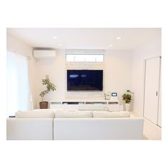 4 Miraculous ideas: False Ceiling Living Room And Dining false ceiling living room apartments.False Ceiling Bedroom Built Ins false ceiling bathroom tile. Small Living Rooms, White Interior, Brick Wall Living Room, False Ceiling Living Room, False Ceiling Bedroom, Living Room Built Ins, Kitchen Ceiling Lights, White Rooms, Contemporary Fireplace