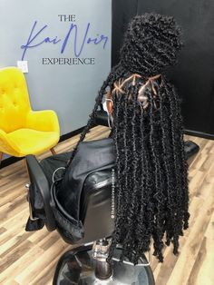 Box Braids Hairstyles For Black Women, Braids Hairstyles Pictures, Faux Locs Hairstyles, Black Girl Braids, Braided Hairstyles For Black Women, African Braids Hairstyles, Baddie Hairstyles, Braids For Black Hair, Hairstyle Ideas