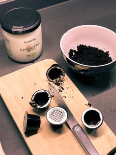 Home DIY: 3-Ingredients Coffee Face Scrub for Acne | La Belle Society #CoffeeScrub Coffee Mask, Coffee Face Scrub, Food Truck Design, Pumpkin Spice Coffee, Diy Scrub, Coffee Recipes, Plated Desserts, Food Plating