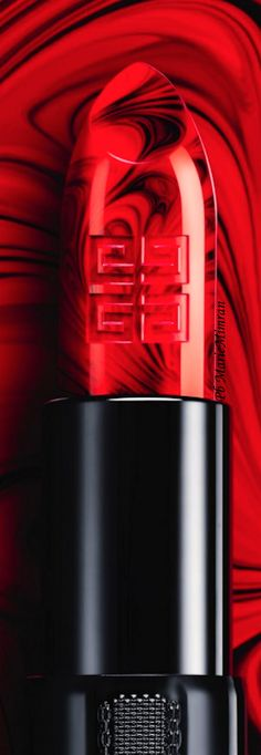 Marie Mimran-Givenchy-rouge interdit-