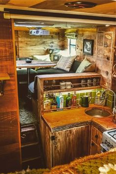 23 Amazing Van Life Interior Ideas For Inspiration! – Deluxe Timber 23 Amazing Van Life Interior Ideas For Inspiration! – Deluxe Timber,Wohn / Einrichtungs Ideen How crazy is this van interior! Van Conversion Interior, Camper Van Conversion Diy, Van Interior, Interior Ideas, Truck Interior, Bus Living, Tiny House Living, Luxury Campers, School Bus Camper