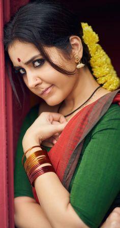 Beautiful Blonde Girl, Beautiful Girl Indian, Most Beautiful Indian Actress, Beautiful Saree, Beautiful Bollywood Actress, Beautiful Actresses, Snake Girl, Lovely Girl Image, Indian Actress Hot Pics