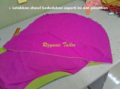 Shawl twist Tudung Shawl, Turban, Scarves, Projects To Try, Sewing, Diy, Scarfs, Dressmaking, Couture