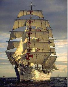 Navio escola Sagres - Portugal Shared by Motorcycle Fairings - Motocc Tall Ships, Hanse Sail, Rose Croix, Old Sailing Ships, Images Gif, Yacht Boat, Sail Away, Wooden Boats, Water Crafts
