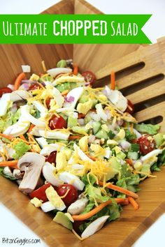Ultimate Chopped Salad - A delicious, crisp chopped salad with loads of fresh veggies, perfect for serving up in the summer after a visit to the farmer's market! Cabbage Soup Recipes, Salad Recipes, Avocado Recipes, Salad Bar, Soup And Salad, Farmers Market Recipes, Cooking Recipes, Healthy Recipes, Cooking Tips