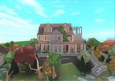 """Żåk_ on Twitter: """"Hilltop Cottage: @BloxburgBuilds @FroggyHopz_RBLX @RBX_Coeptus… """" Two Story House Design, Tiny House Layout, House Layout Plans, Unique House Design, Craftsman Style House Plans, House Layouts, House Plans Mansion, Luxury House Plans, Home Building Design"""